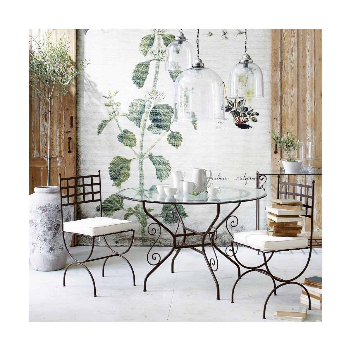 table ronde de salle a manger en verre et fer forge d 120 cm. Black Bedroom Furniture Sets. Home Design Ideas